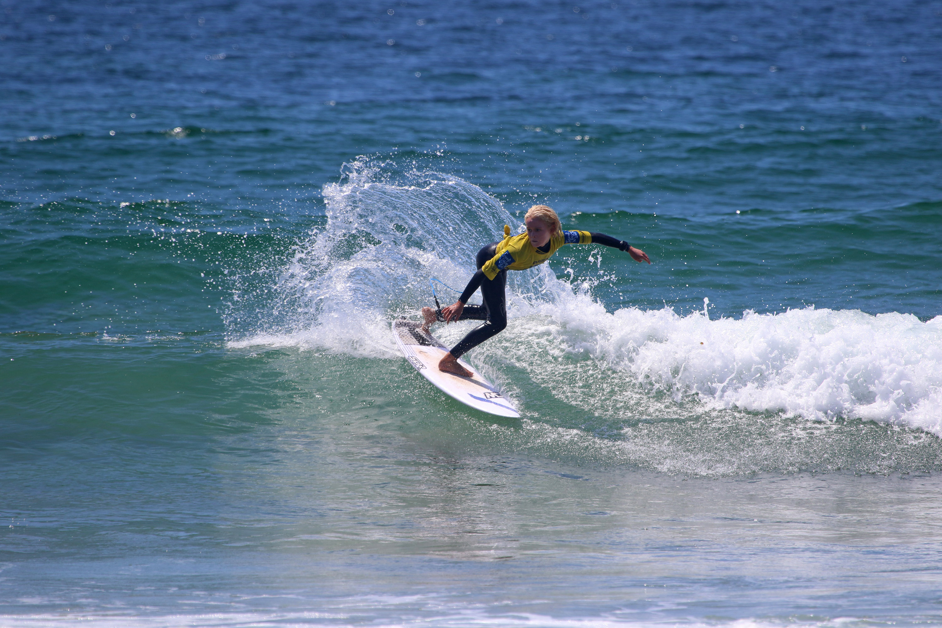 031253689e UNDER-14 SEMI-FINALISTS DECIDED ON DAY 5 OF THE SURF DIVE N SKI AUSTRALIAN  JUNIOR SURFING TITLES